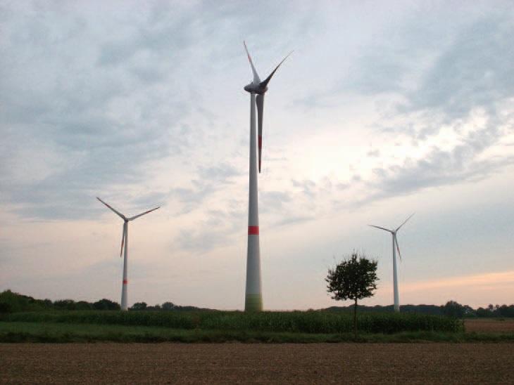 유럽에서는 풍력 전기시설에서 전기를 생산하여 소득을 올리는 농가가 늘어나는 추세다.