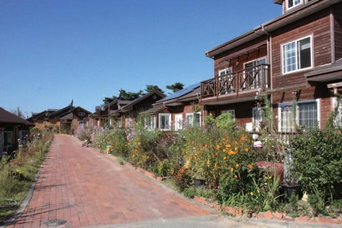 한울마을은 주민들이 함께 땅을 구입하여 집을 짓고 길을 만든 마을공동체다.