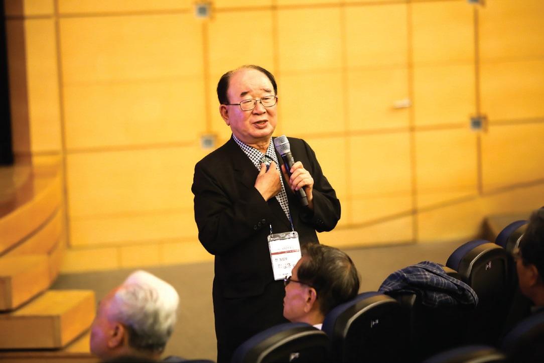 대산농촌재단 설립에 중요한 역할을 한 김성훈 전 농림부 장관은 대산 신용호 선생과 직접 만나 나눴던 이야기를 전했다.
