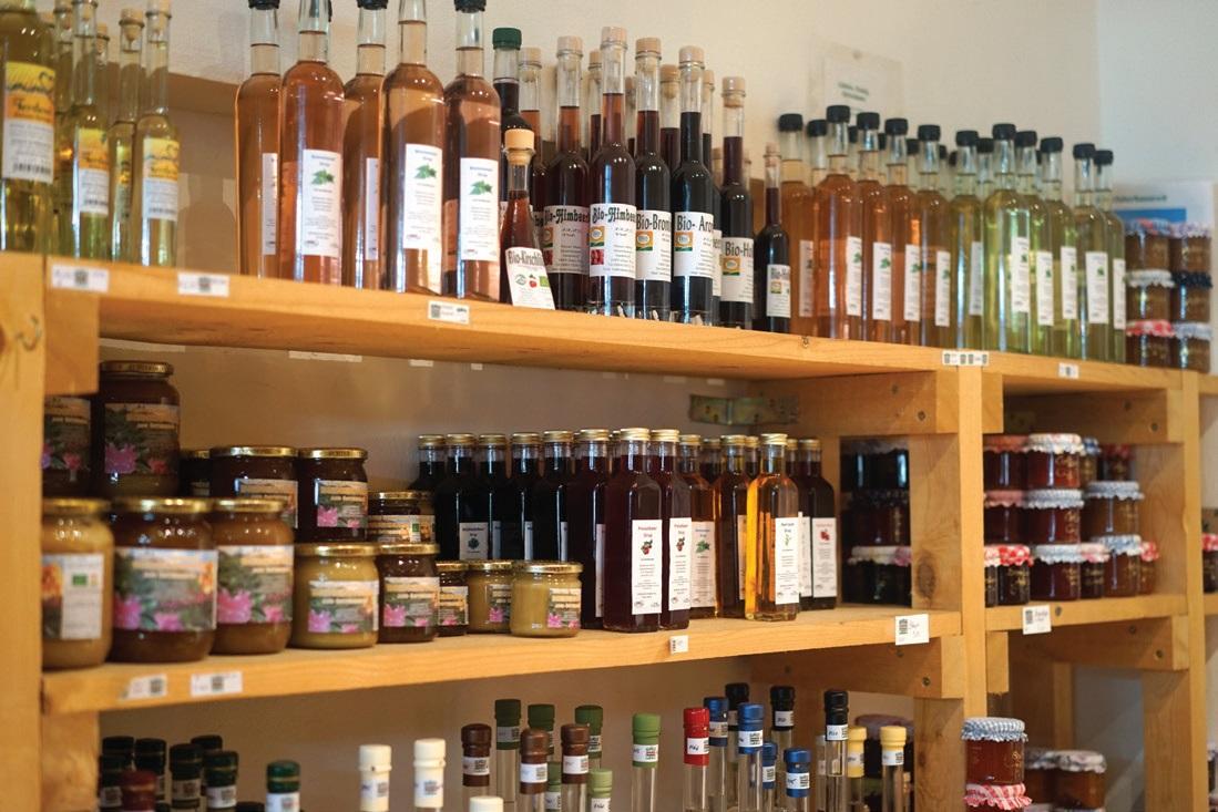 살펜델 지역 농민이 만든 수제품과 가공품. 공동 직판장의 모든 농산물과 수제품, 가공품은 농민이 직접 가격을 정한다.