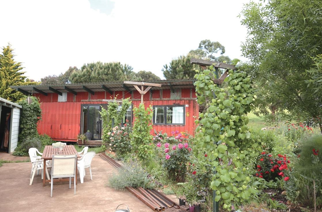 조나이 유기농장 주인 태미와 스튜어트의 집.