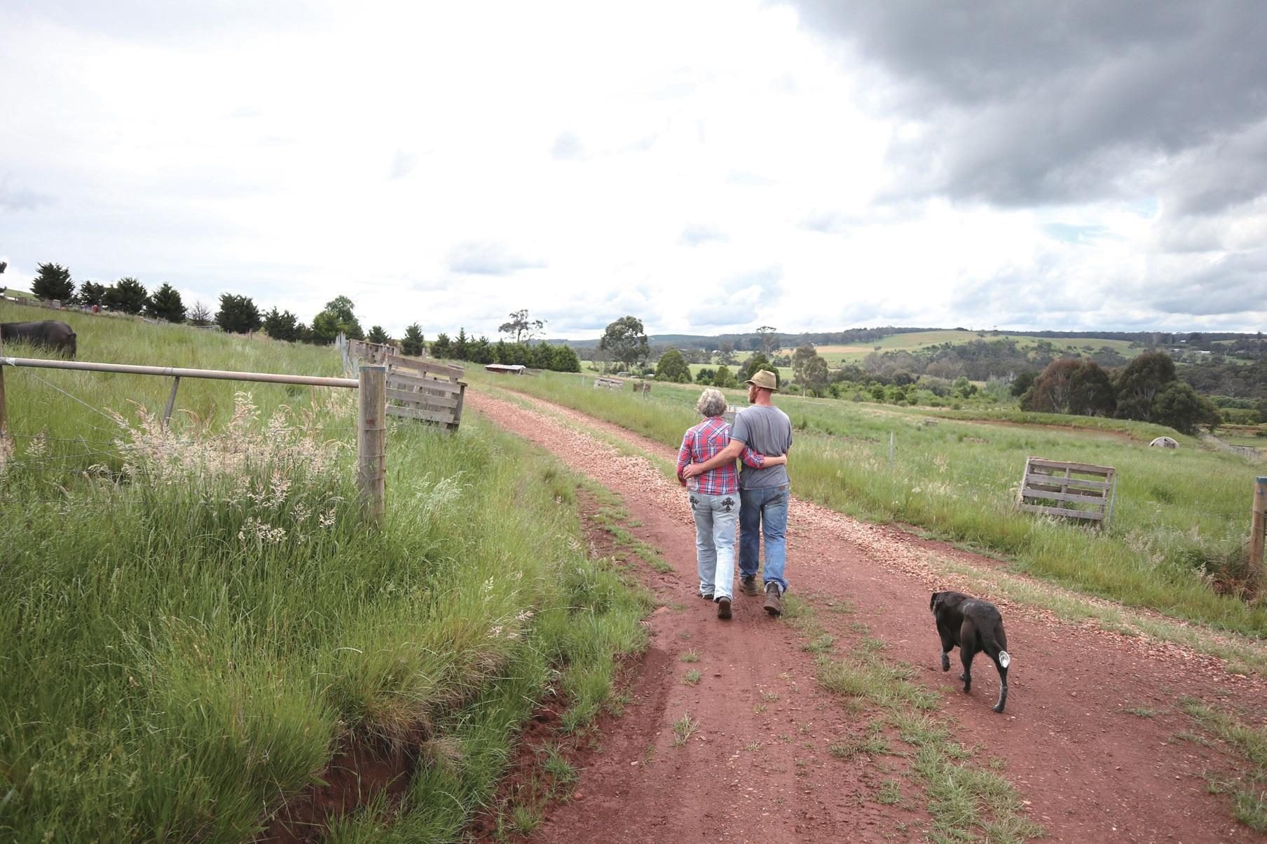 다정하게 앞서나가는 태미와 스튜어트. 그들의 걸음이 우리 농업의 미래를 이끌어주는 듯하다.