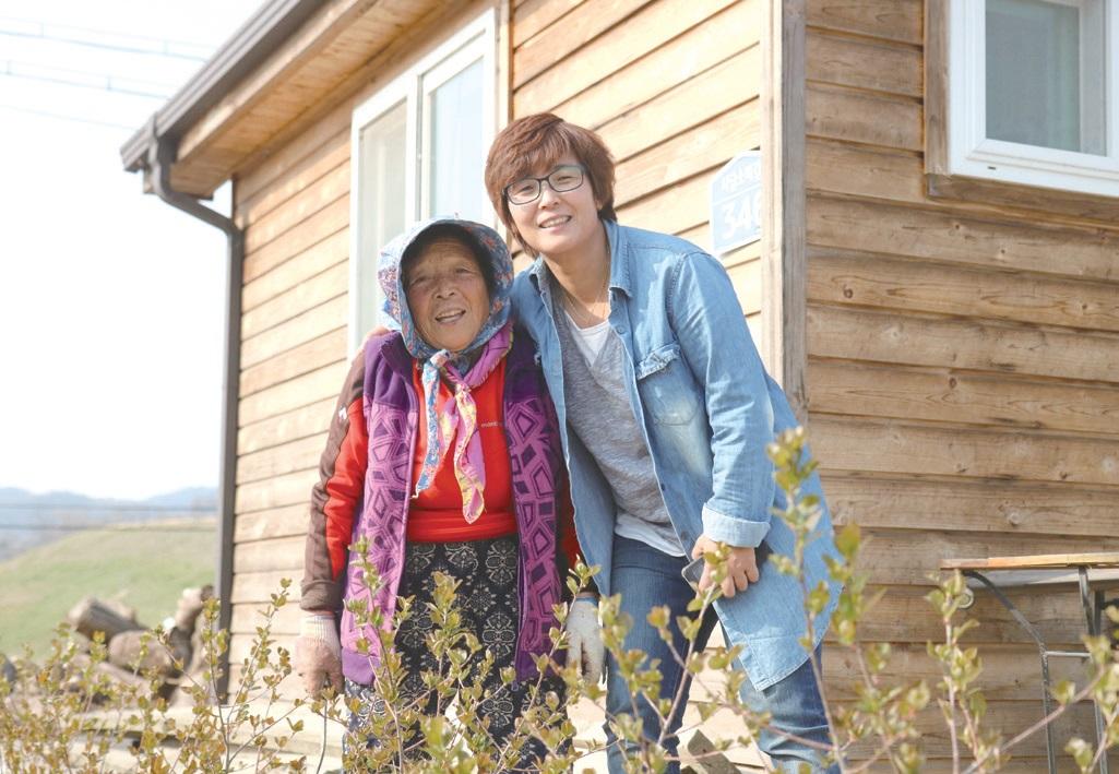 김용자 대표의 어머니 장금원(83) 씨는 70여 년 농사를 이어온 베테랑 농민으로, 김 대표가 이끄는 사업을 든든하게 지탱하는 중요한 파트너다.