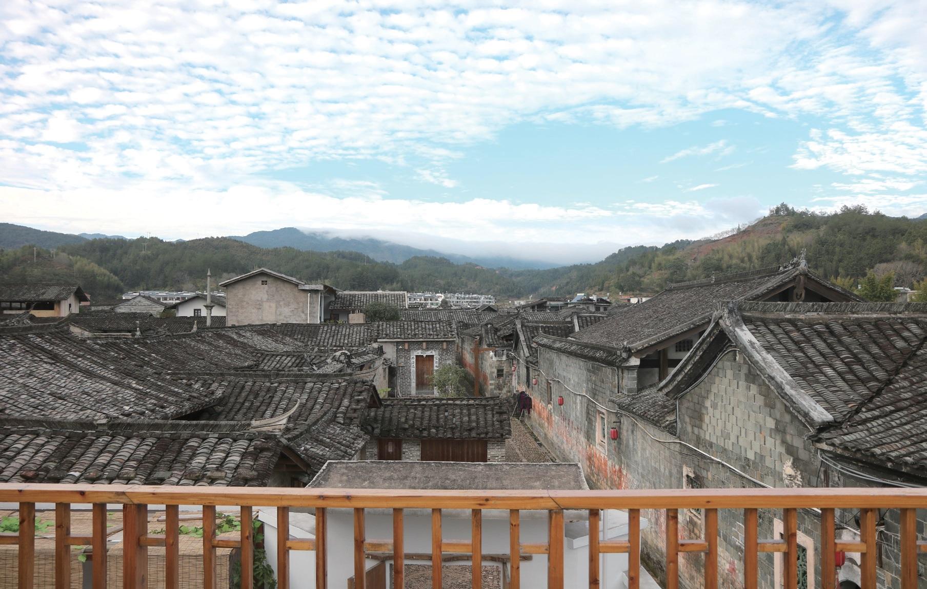 중국 푸젠성 롱옌시의 페이티엔Peitian마을. 800년 된 객가마을로 다양한 역사문화 자원을 보유하고 있다. 푸젠성 신향촌건설운동의 프로젝트 기지로 다양한 교육 및 체험사업, 마을 축제 복원의 현장이 되었다. ⓒ대산농촌재단