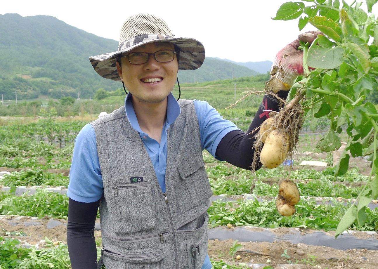 농부 김강진 씨. Ⓒ김강진