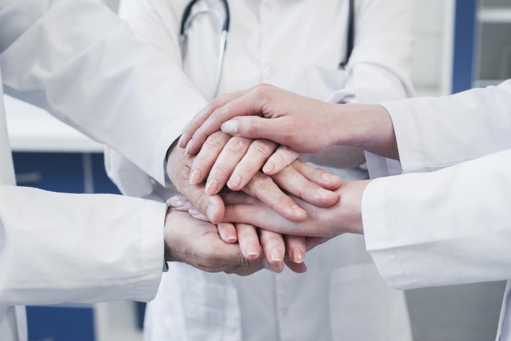 공공의료 확충을 택해야 하는 이유는 이것이 더 나은 공동체와 더 좋은 국가를 가능하게 하는 유일한 길이기 때문이다.
