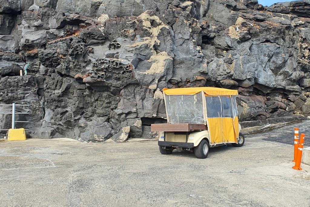 10년 전까지 마라도에서 주요 관광수단이었던 카트. 지금은 짐 운반용으로만 허용된다.